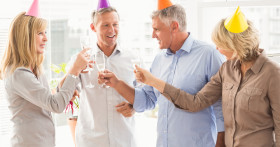 Игры и конкурсы для компании на день рождения взрослого человека