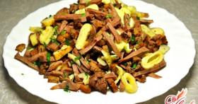Салаты с мясом: рецепты для настоящих мужчин