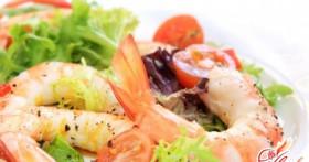 Салат с креветками и китайской капустой : ассорти из рецептов