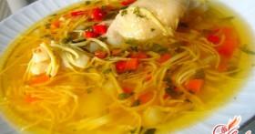 Рецепт вкусного куриного супа с домашней лапшой от которого сложно отказаться