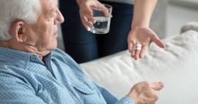 Действенное лечение запоров у пожилых людей
