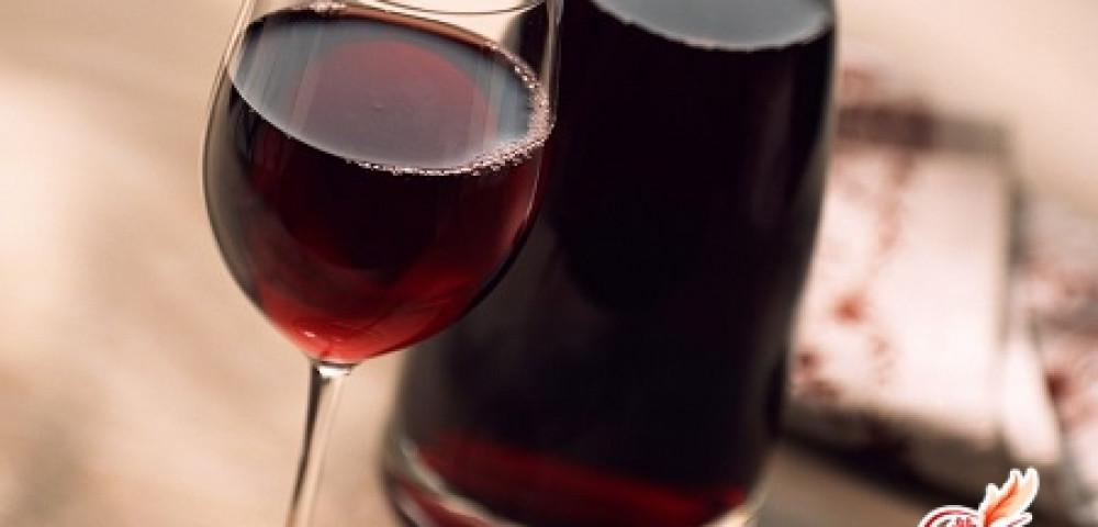Вино из забродившего сливового варенья