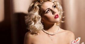 Макияж для блондинок с карими глазами — просто подчеркните естественность!