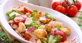 Салат с сухариками — просто и вкусно