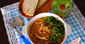 Знаменитый грузинский суп: готовим харчо из курицы