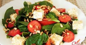 Зеленый салат для здоровья и красоты