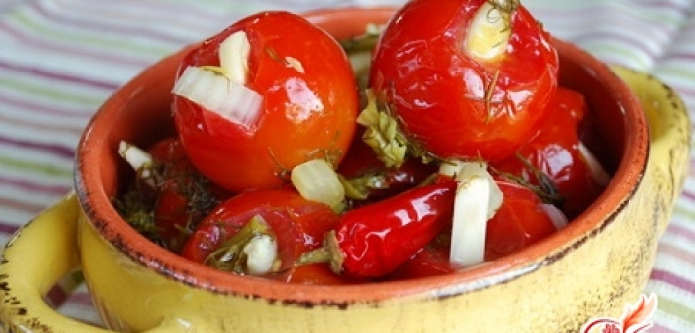 Как засолить помидоры в кастрюле