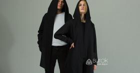 Черная мантия с капюшоном – новая тенденция уличного стиля