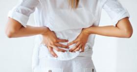 Почему при панкреатита может болеть спина и поясница?