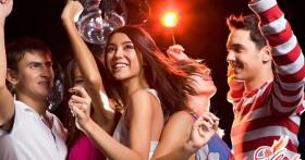 Как устроить вечеринку дома: советы для организации тематического праздника