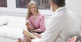 Кровяные выделения на ранних сроках беременности — срочно к врачу!