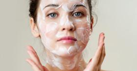 50 увлажняющих масок для всех типов кожи: популярные марки и домашние рецепты