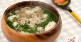 Суп с галушками: классика украинской кухни