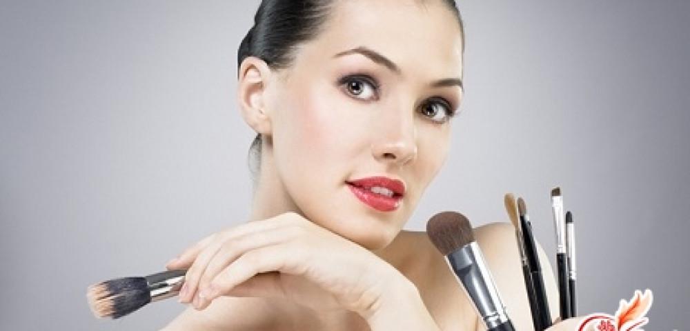 Как правильно нанести макияж в домашних условиях?