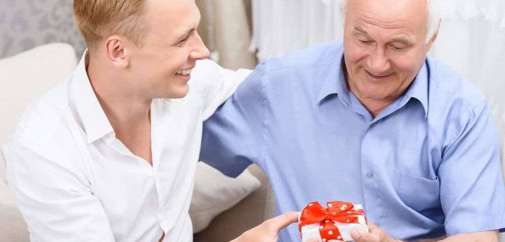 Что подарить мужчине на 60 лет на день рождения: выбираем подарок на юбилей мужчине
