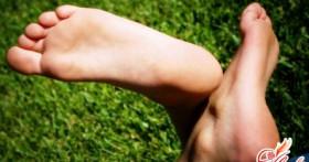 Как избавиться от потливости ног? Полезные советы