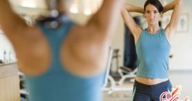 Упражнения для рук с гантелями для женщин — готовимся к лету