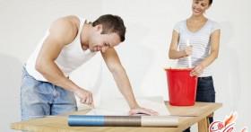 Уроки правильного ремонта: клеим флизелиновые обои