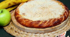 Яблоки и бананы — вкусная начинка для пирога