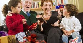 Что подарить мужчине на 60 лет: выбираем достойный подарок