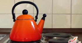 Как убрать накипь в чайнике, используя народные средства