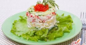 Салат с икрой: побалуйте гостей экзотикой