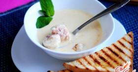 Осваиваем первые блюда: рецепты сырного супа с фрикадельками