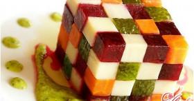 Салат с солеными огурцами: несколько простых рецептов