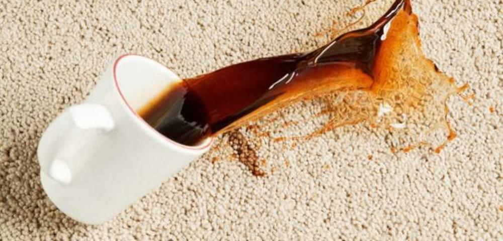 Как вывести пятно от чая на белом и цветном белье, джинсах, шерсти