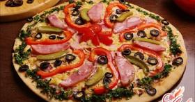 Пицца:рецепт с колбасой, с курицей, с фаршем, пицца ассорти
