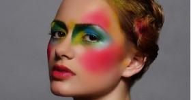 Одна палетка – разная ты! Как создать феерический макияж несколькими штрихами?