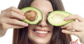 Простые секреты красоты: маска для лица из авокадо
