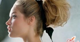 Небрежный пучок из волос. В моде — изысканная небрежность