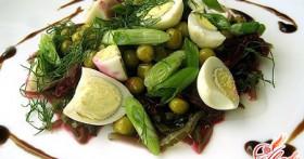 Салат с морской капустой и кальмарами: праздник насыщенного вкуса