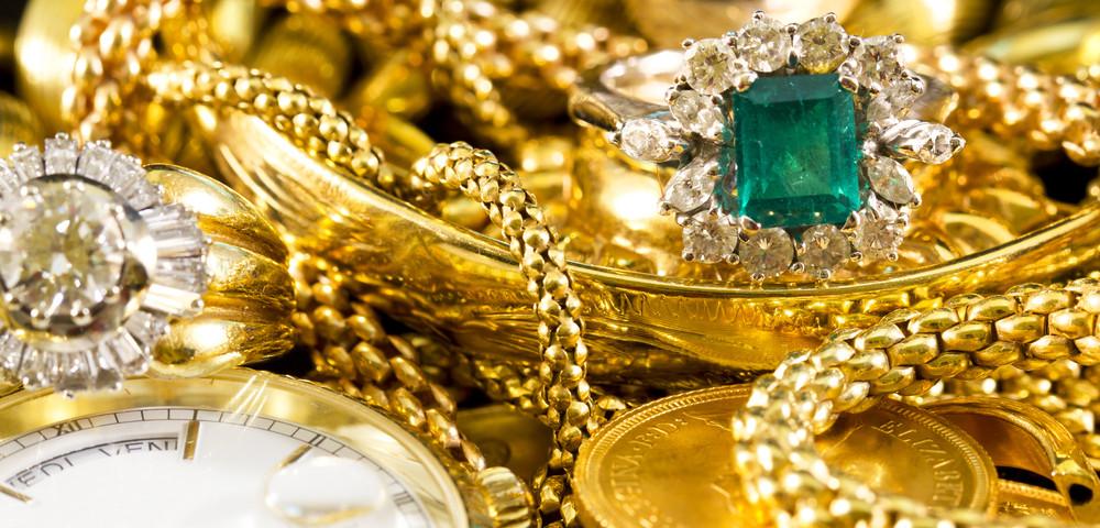 Как почистить золотые серьги с жемчугом — Полезные материалы на корпоративном сайте «Русские Самоцветы»