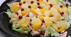 Салат с кальмарами и ананасами для будней и праздников