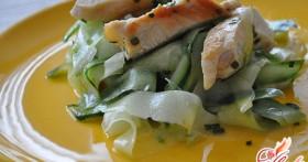 Салат с курицей и солеными огурцами — всесезонные рецепты
