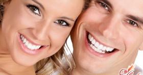 Отбеливание зубов активированным углем доступно каждому!