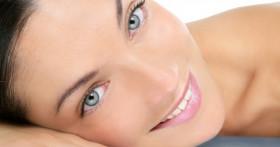 Почему возникают жировики на лице?