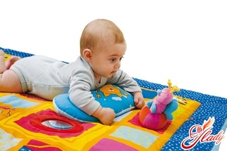 развивающий коврик с какого возраста