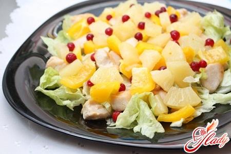 рецепт салата с консервированными ананасами