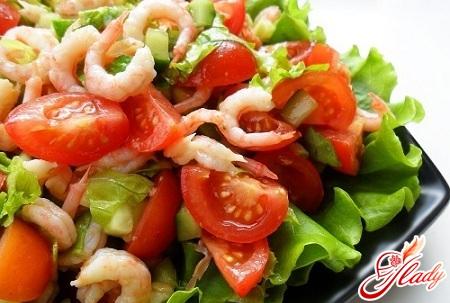 салат из китайской капусты и креветок