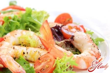 Салат с креветками и китайской