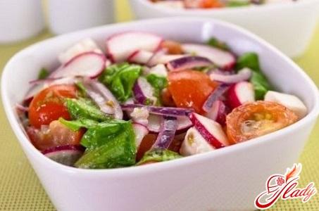 салат из брынзы и помидор