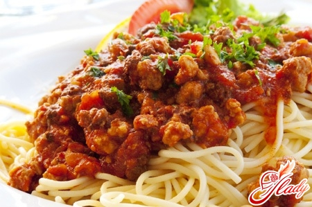 болоньезе спагетти