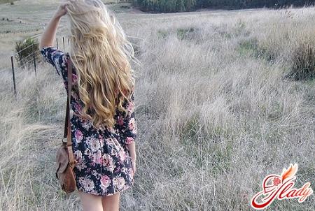 волнистые длинные волосы