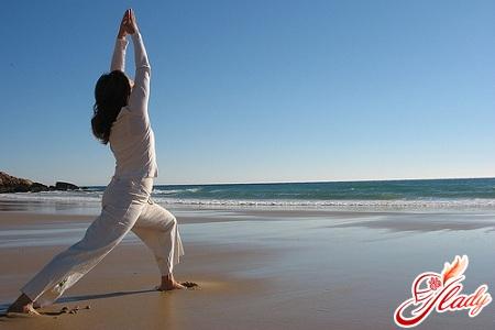 полезная йога дома для начинающих
