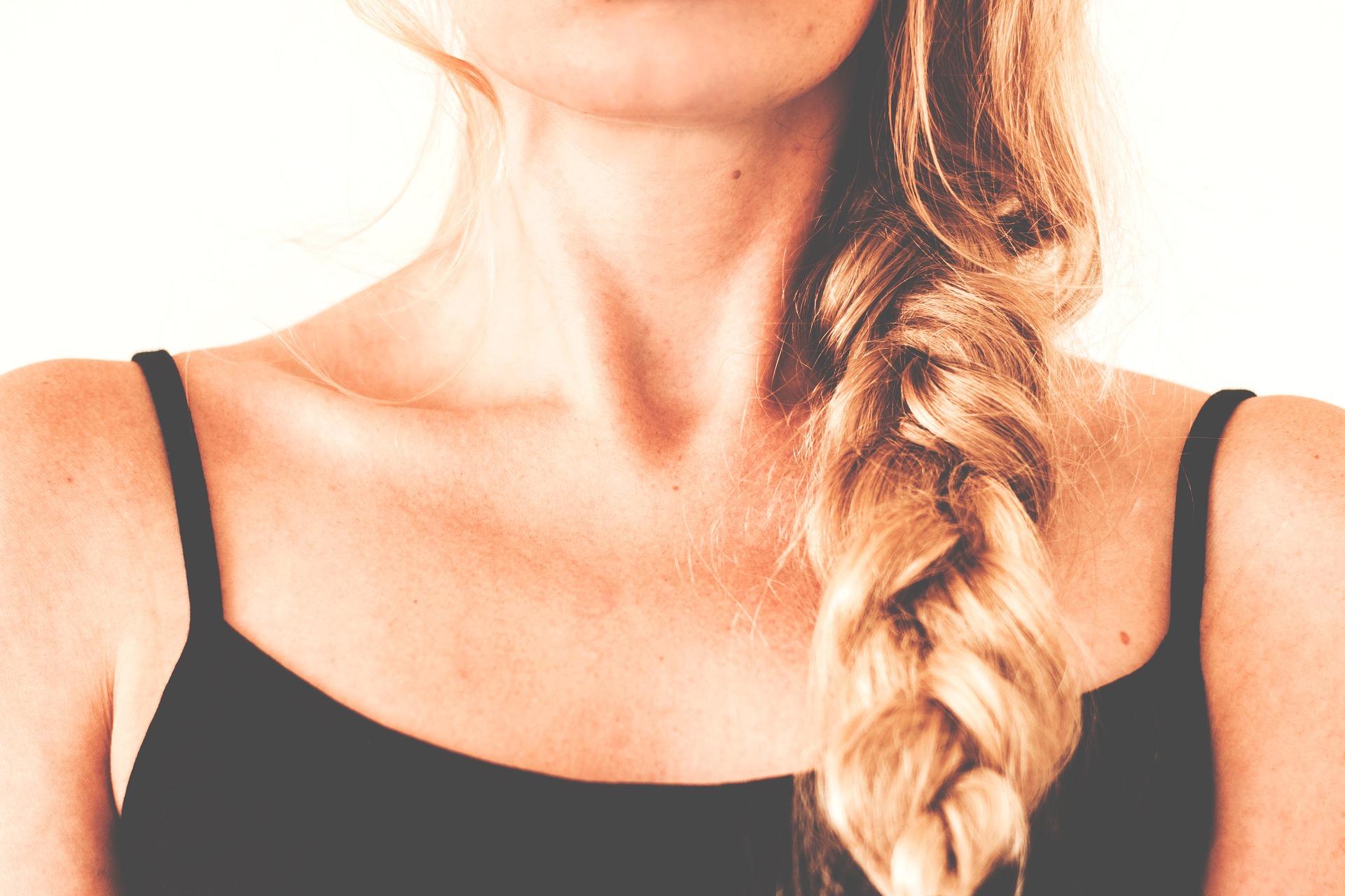 Плетение волос дома и в салоне
