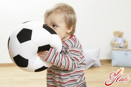 в какие игры играть с ребенком в 1 год
