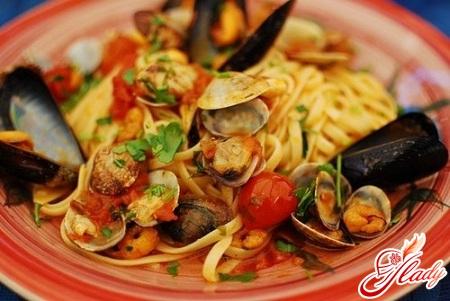 приготовить пасту с морепродуктами
